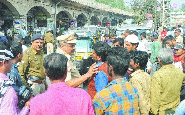Traffic cops book 125 autos for not plying by meter