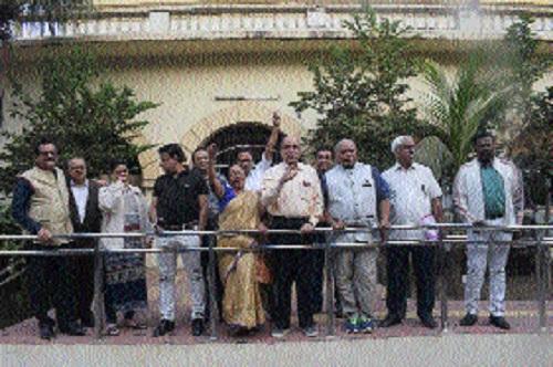 Docs launch agitation against National Medical Council Bill