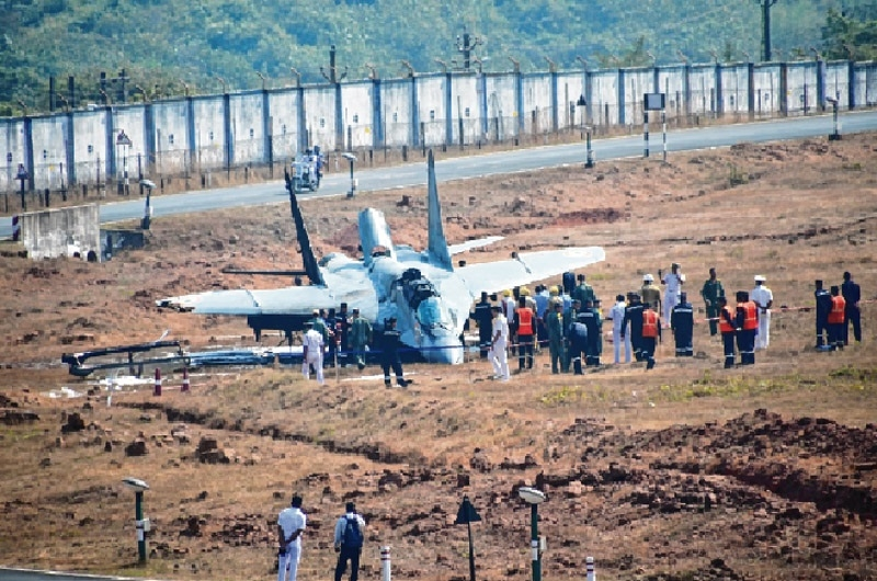 MiG 29K crashes in Goa naval base, pilot ejects safely