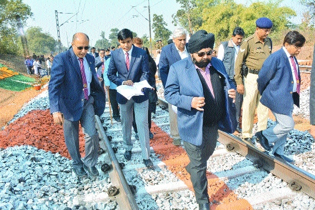 'Itwari rly stn to get several new facilities'