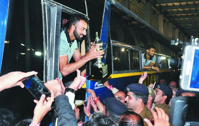 Victorious Vidarbha Ranji team arrives to a rousing welcome