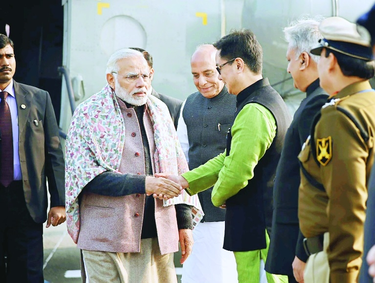 Modi discusses security issues with police, paramilitary brass