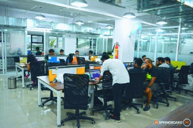 Experts see momentum in co-working spaces