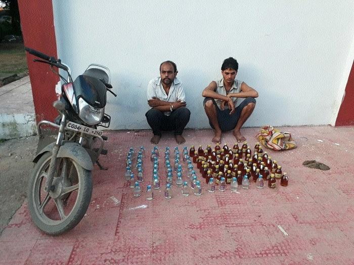 2 held with illicit liquor