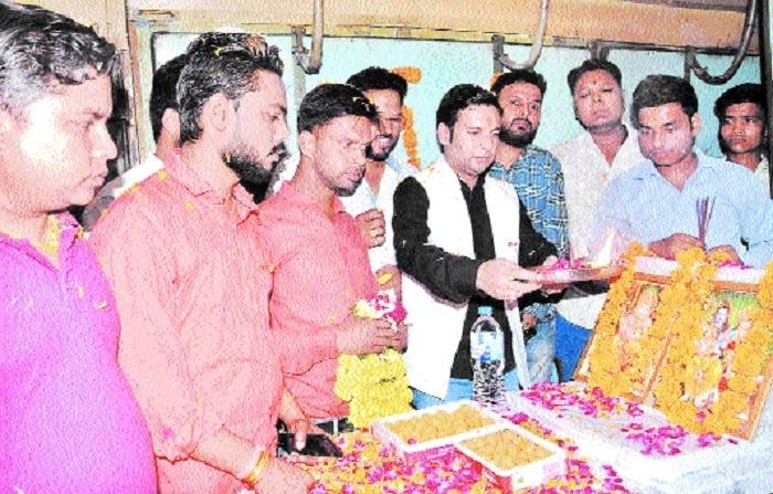 CM's Jankalyan Yojana Prakoshta members see off Dwarikapuri pilgrims