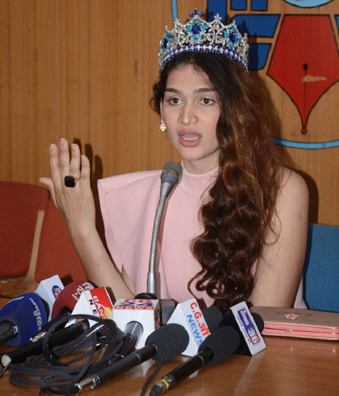 Veena Sendre brings laurels to C'garh by winning India's first Miss Trans Queen crown