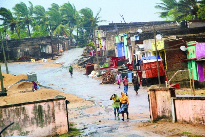 Cyclone Titli claims eight lives in Andhra, no casualty in Odisha