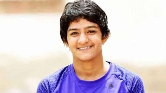 Sakshi and Phogat still alive at Worlds despite crushing defeats