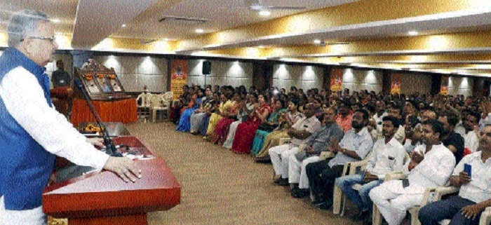 CM shares tips with candidates