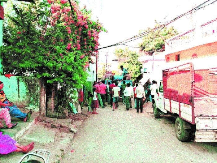 Joint drive to remove encroachments continues