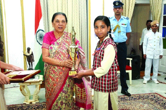 Inspire children for controlled use of mobile: Governor