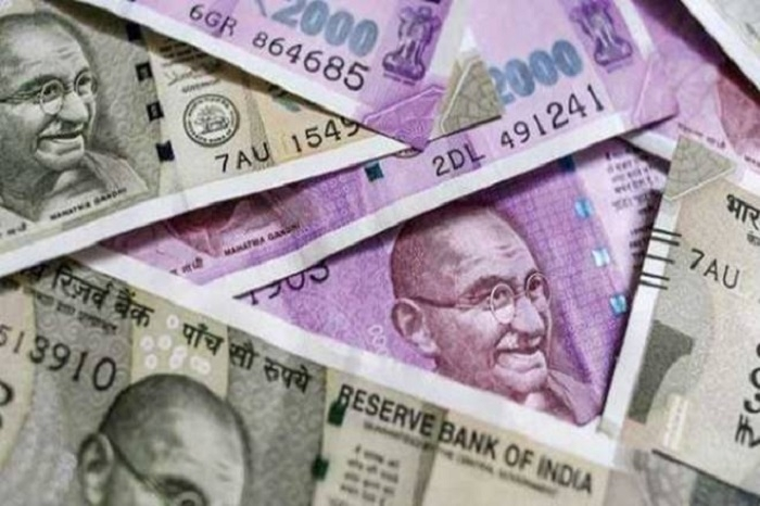 Rupee hits new low of 73.34