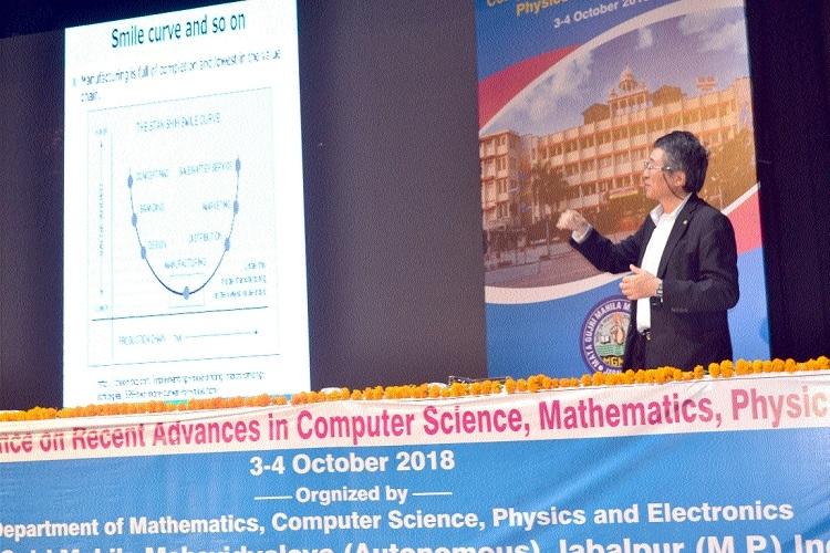 Prof Nakagawa from Tokyo briefs students on Day 1 of intl seminar