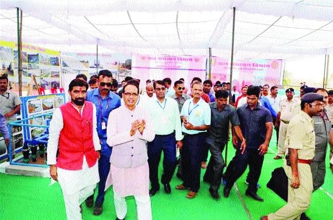 CM Chouhan dedicates Bansujara Dam Project in Khargapur tehsil