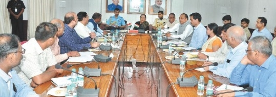 Governor reviews TB control programmes