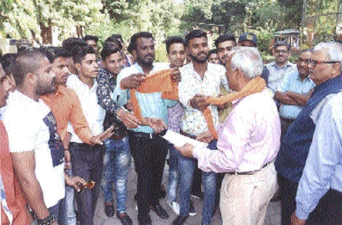 NSUI seeks action against ABVP for violating poll code