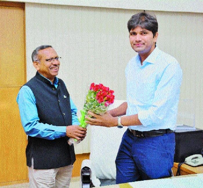 Abhijit Bangar assumes charge as Municipal Commissioner