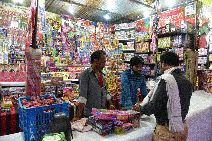 Markets decked up to celebrate Festival of Lights
