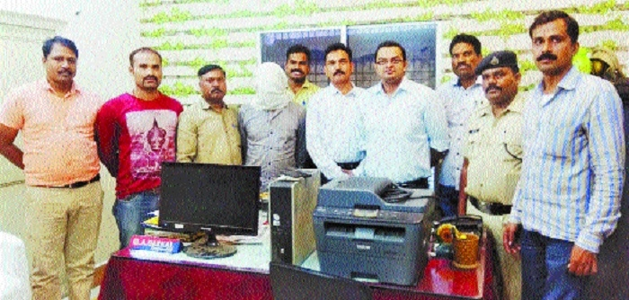 SECR RPF team raids 2 rly e-ticket agents' centres