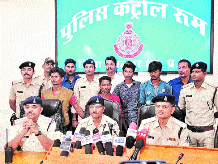 4 vehicle-lifters held, 10 bikes, Activa worth Rs 6L recovered