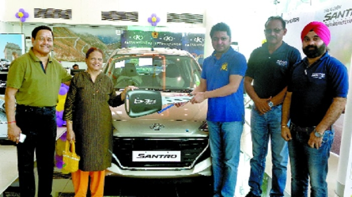Ketan Hyundai delivers new Santro
