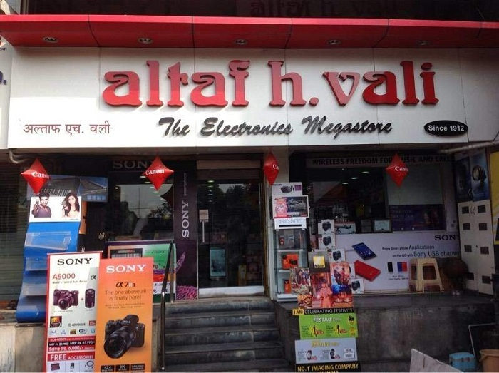 Good response to Diwali offers at Altaf H Vali