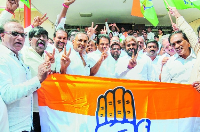 JD(S)-Cong trounces BJP 4-1 in K'taka by-elections