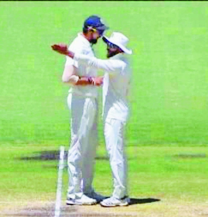 Ishant and Jadeja argue on field
