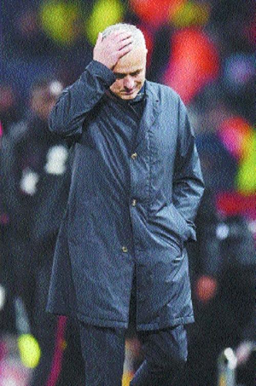 Man Utd lose patience, sack Mourinho