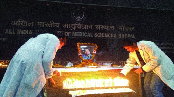 AIIMS' Dr Kamat loses life in road accident; tributes paid
