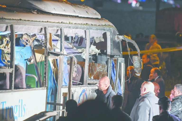 Egypt cops kill 40 suspected terrorists in raids after tourist bus was bombed