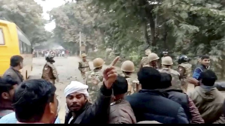 19 arrested in connection with killing of cop in UP