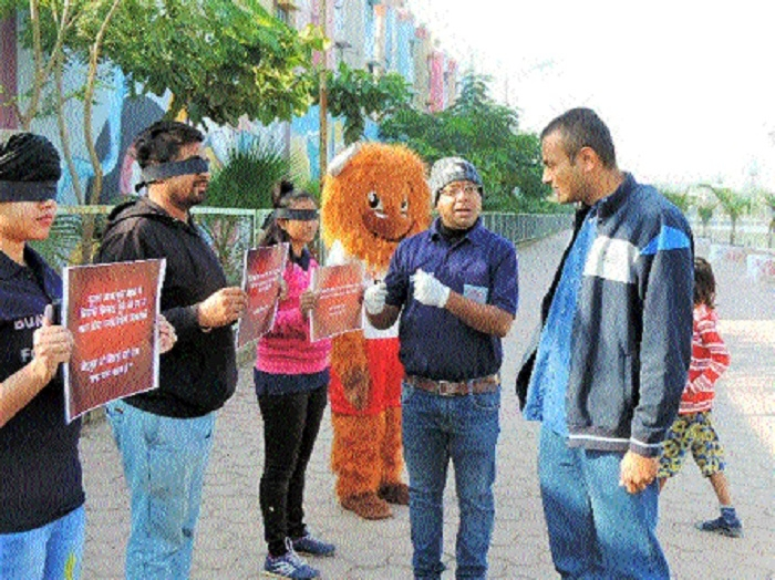 'Bunch of Fools' volunteers take out awareness drive