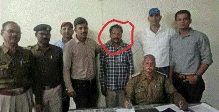 GRP arrest man with stolen mobile phone
