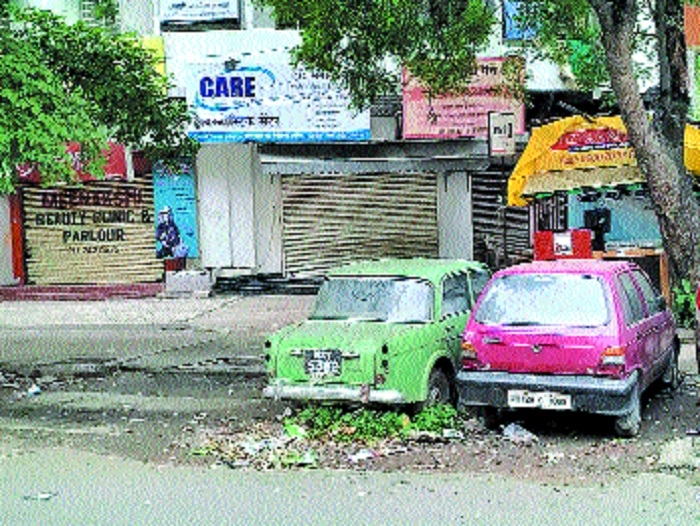 Abandoned vehicles: Cops, RTO ignore HC, Govt directives