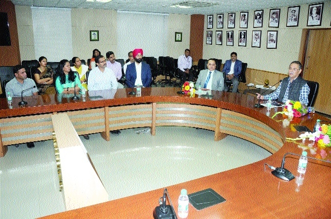 Trainee IPS officers call on DGP Shukla