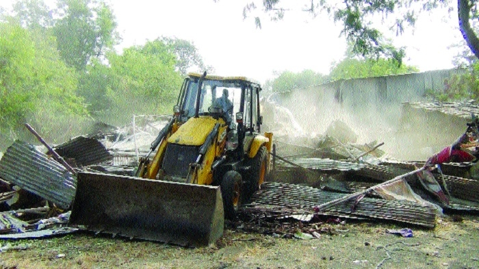 BHEL removes encroachments in township