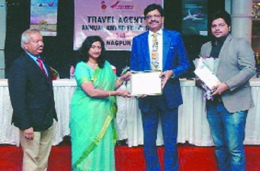 Pawansut Travel gets award