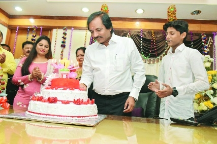 Nirmal Group celebrates Pramod Manmode's birthday with fanfare