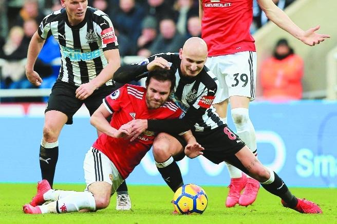 Newcastle disappoint Man-U