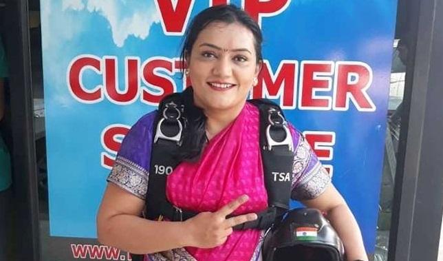 Pune girl sets new record, skydives in nav-wari sari