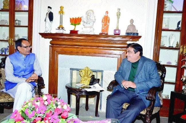 CM meets Union Minister Nitin Gadkari