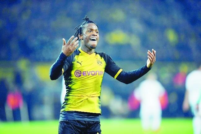 Batshuayi double delights Dortmund