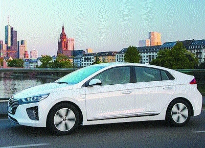 Hyundai unveils two EV models
