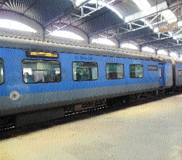 Bhopal Express yet to get LHB coaches