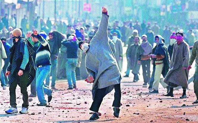 Stone-pelting cases against 9,730 people to be withdrawn in J&K