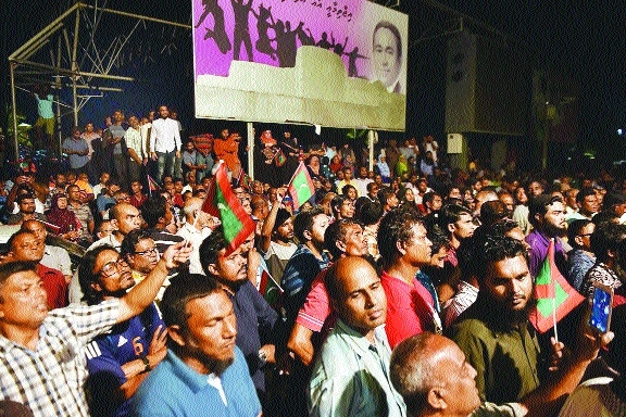 Maldives shuts Parlt as Govt resists SC order to free political prisoners