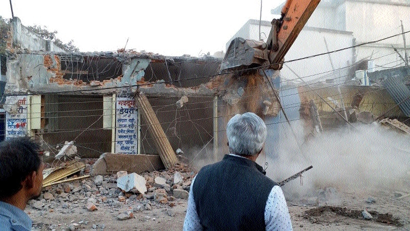 RMC carries out anti-encroachment drive amidst protest