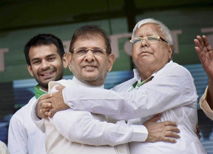 Sharad Yadav meets Lalu in jail