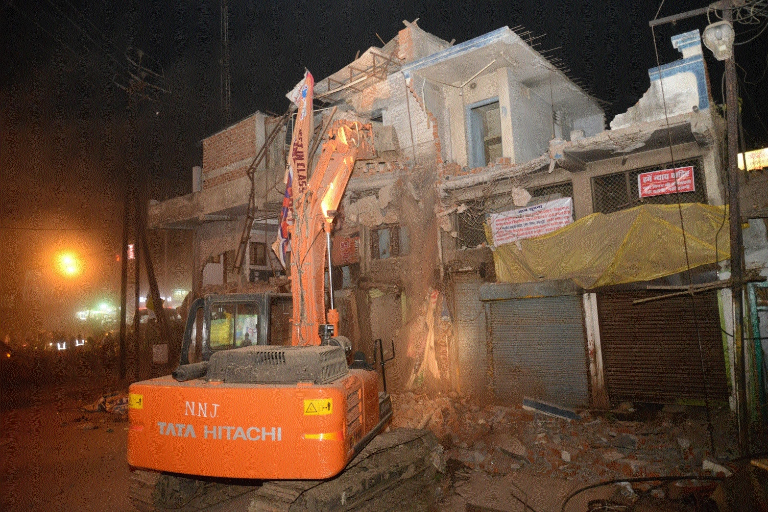 JMC razes seven shops during anti-encroachment drive